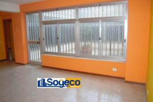 Bagheria (PA) in affitto ampio ufficio con destinazione d'uso cinque (5) vani due wc