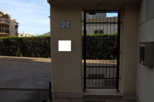 V/802 - Bagheria (PA) via Plauto (Papa Giovanni) in vendita ufficio quattro (4) vani e w.c.