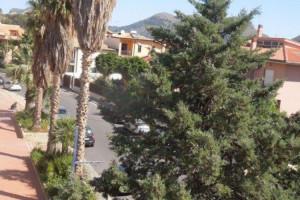 cinque vani con doppi servizi in locazione zona di prestigio a Bagheria (PA)