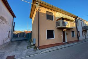 Casa accostata San Martino di Venezze rif. 214