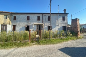 Casa accostata Mardimago rif. 235