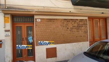 Tre vani in vendita in un piccolo condominio a Bagheria (PA)