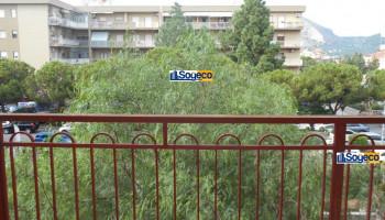 Quattro vani con doppi servizi in vendita a Bagheria (PA) via Mattarella