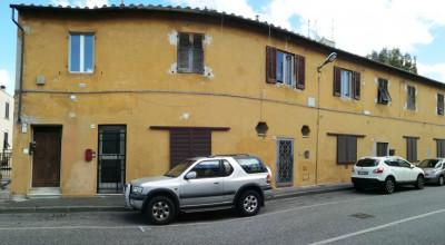 Sorgenti-Appartamento di 63 mq al 1° ed ultimo piano. € 70.000