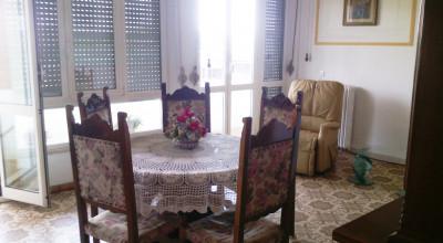 La Rosa-Spazioso appartamento con terrazzina e tre camere da letto