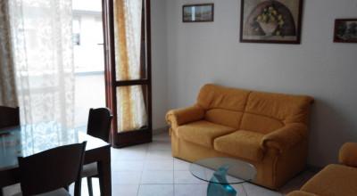 Antignano Mare-4 locali arredato con garage. 700 €
