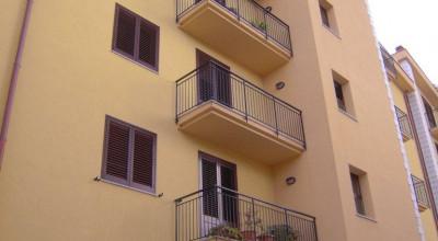 Bagheria (PA) appartamento in affitto quattro (4) vani doppi servizi posto auto coperto