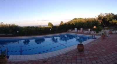 V/712 Santa Flavia (PA) in vendita prestigiosa villa indipendente con piscina dodici (12)  vani e 6.000 mq. di terreno - Possibile contratto Rent to buy