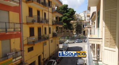 A/308 - Bagheria (PA) in locazione appartamento con doppia esposizione tre (3) vani ed accessori
