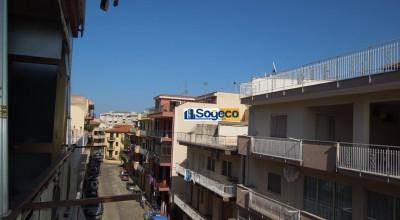 Bagheria (PA) in vendita appartamento tre (3) vani cucina bagno e balcone