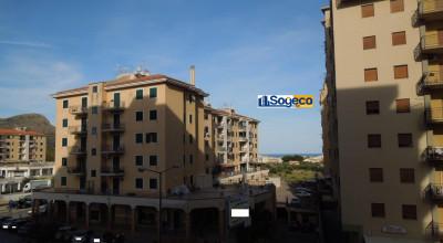 V/510 - Bagheria (PA) in vendita ampio appartamento con vista mare cinque (5) vani