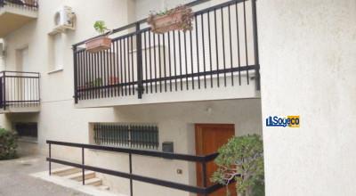 V/802 - Bagheria (PA) in vendita ampio ufficio/studio professionale quattro (4) vani e w.c.