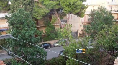 Bagheria (PA) via Papa Giovanni in vendita ampio appartamento in villa trifamiliare