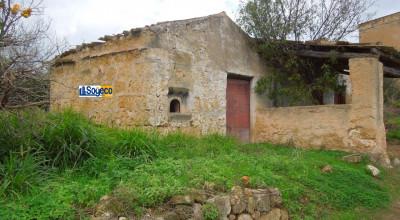 V/986 - Santa Flavia (PA) contrada Spuches in vendita terreno agricolo con rustico
