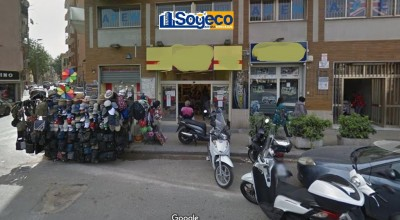 Palermo Corso Tukory angolo via Feliciuzza in vendita negozio 540 mq. otto luci su strada