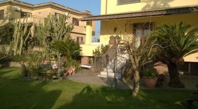 Vende Villa Loc. Lago Patria Cod. VV26
