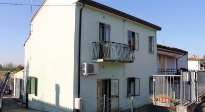 Casa accostata Borgoforte rif. 03/2