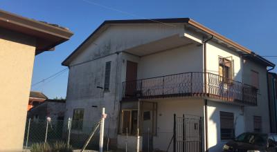 Casa indipendente località Beverare rif. 151