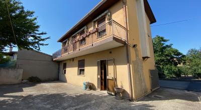 Casa accostata Anguillara Veneta rif. 225