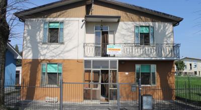 Casa indipendente in vendita a Ca Emo