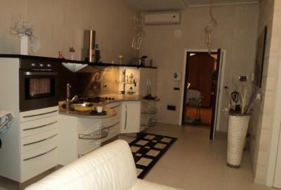 Appartamento ultra-rifinito in Parco con entrata indipendente