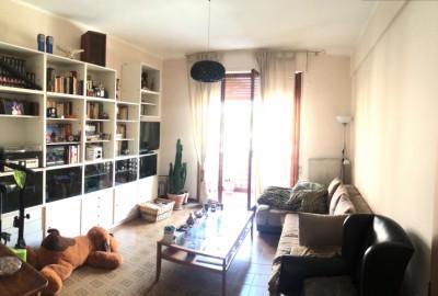 Marina di Carrara, appartamento con 3 camere e garage