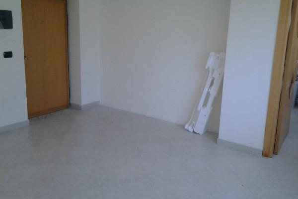 Ufficio Casalnuovo : Monolocale uso ufficio o studio al centro di casalnuovo vico san